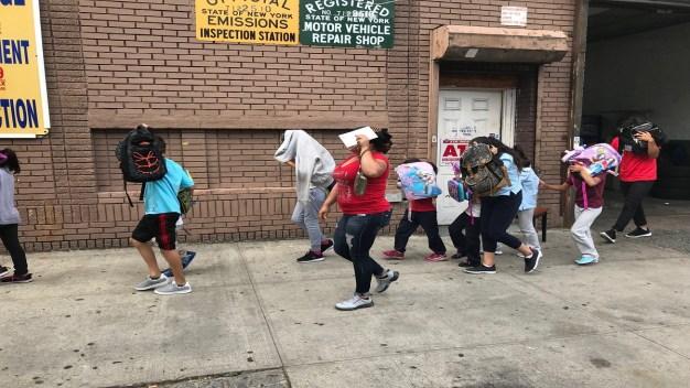 Menores inmigrantes de solo 9 meses llegan a NYC