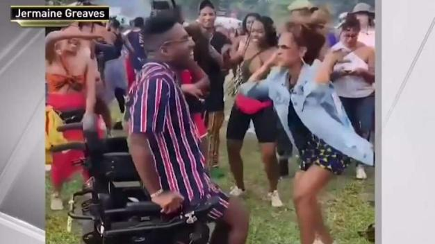 Joven vence la discapacidad con inspirador baile viral