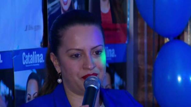 Catalina Cruz hace historia en elecciones de Nueva York