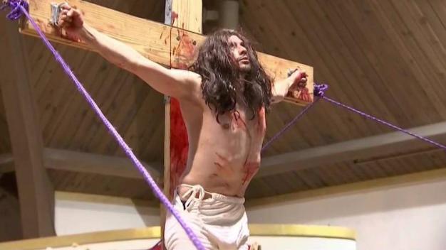 Conmemoran muerte de Jesucristo en Viernes Santo}
