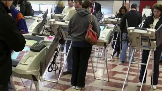 Corte de NJ ordena papeletas de voto en español