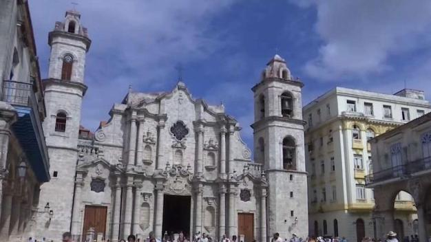 Cubanos celebran en víspera del aniversario 500 de La Habana