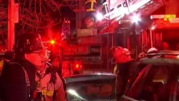 Incendio mata a hombre en Roxbury
