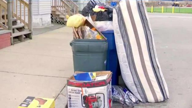 Tiradores de basura en la calle serán multados}