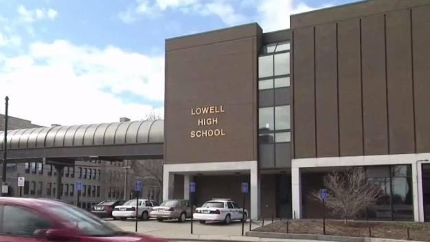 Escuela de Lowell reabrirá el Lunes
