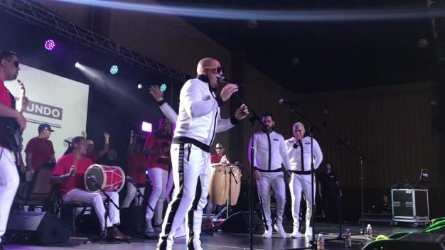 """Se contagia la """"Manía"""" en Feria Telemundo"""