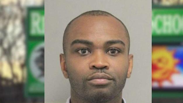 Maestro es arrestado por presunta agresión contra alumna en Woodbridge