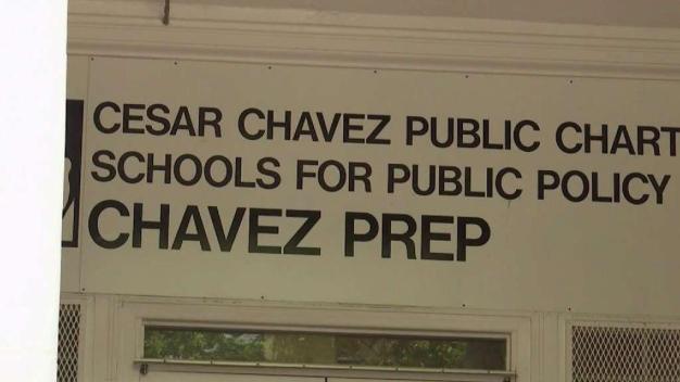 Maestros preocupados por cierre de escuela César Chávez