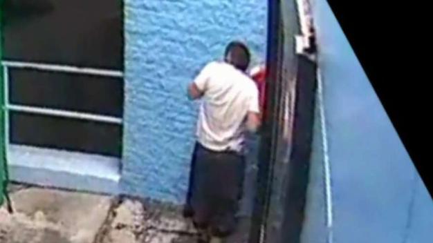 Policía: hombre roba 2 depósitos de U-Haul