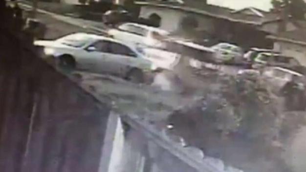 Revelan video del arresto de esposa de atacante de Orlando