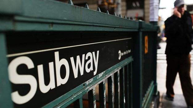 NY prohibiría que agresores sexuales usen el subway