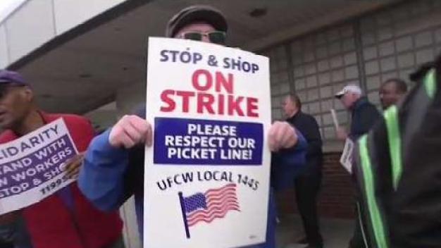 Llegan a acuerdo tentativo tras huelga de Stop & Shop