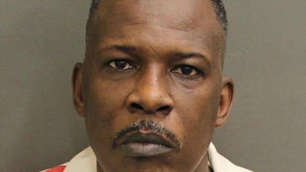 Dictan sentencia de muerte para acusado de matar policías