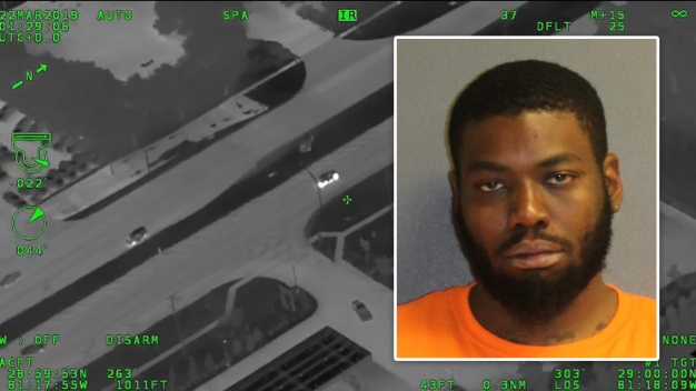 Policía: sospechoso agrede y orina a un agente tras persecución