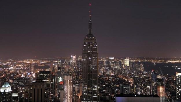 Empire State Building rinde homenaje a víctimas de Italia