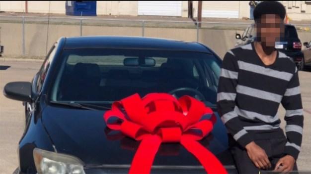 Viral: polémico regalo navideño genera racismo y odio