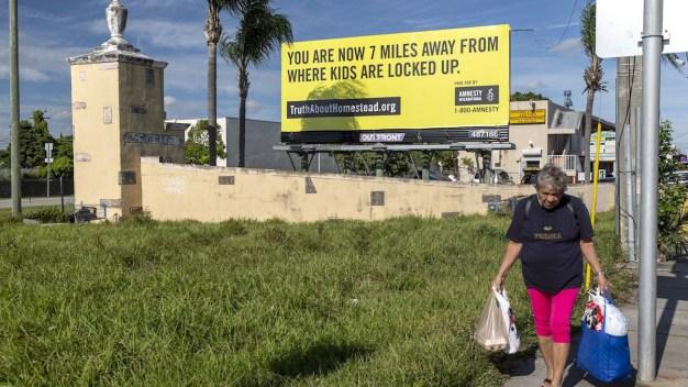 Revuelo por avisos contra detención de niños migrantes