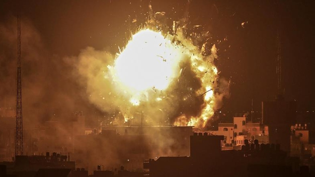 Feroz intercambio de bombazos deja muertos