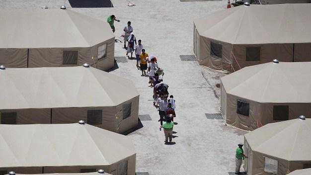 Informe: EEUU separó a más niños de lo que se pensaba}