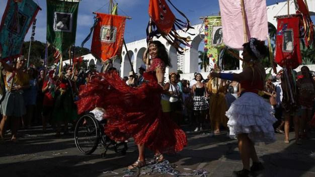 Cientos de miles despiden el carnaval en Río de Janeiro