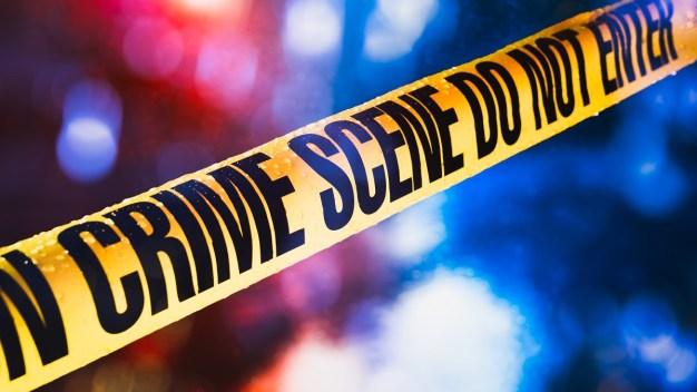 Investigan balacera mortal con oficial en Lakeland