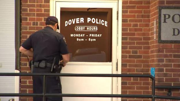 Dover: oficial habría sido acusado anteriormente de abuso