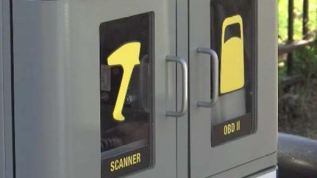 Nueva máquina para inspección de emisiones de gases de autos