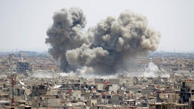 En video: bombardean sin piedad los túneles de ISIS