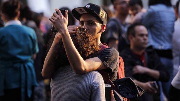 México: terremoto revive temores, causa daños menores