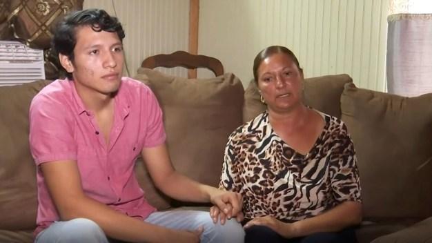 Joven estadounidense está bajo amenaza de deportación