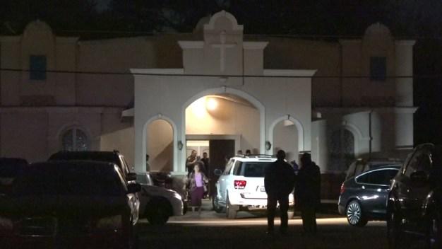 Tragedia en iglesia: niño muere aplastado por una mesa