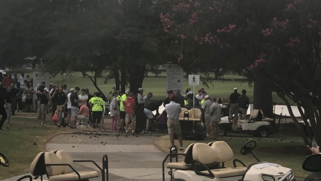 Poderoso rayo deja varios heridos en campeonato de golf