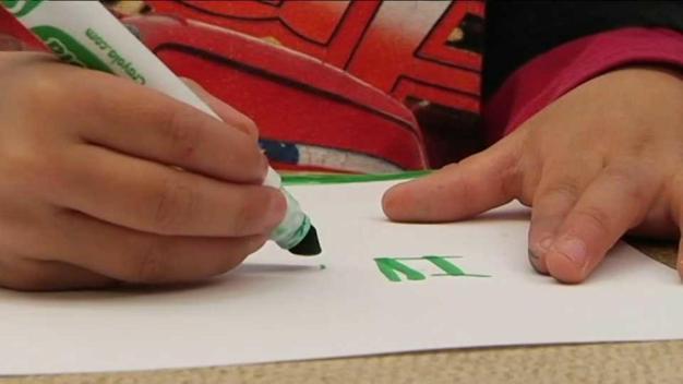 Ley podría permitir administrar marihuana medicinal a niños en escuelas