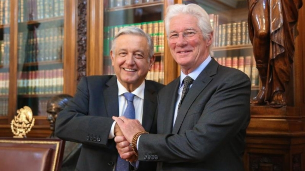 Richard Gere visita a AMLO en Palacio Nacional