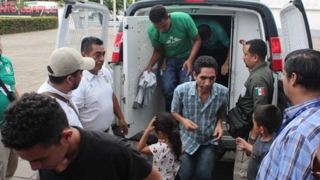 Detienen a 150 migrantes; 66 de ellos, menores