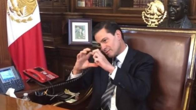 Para decir adiós, Peña Nieto se burla de sus errores