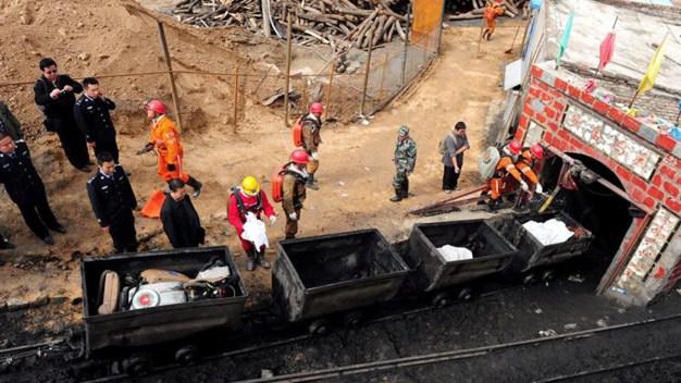 Al menos 20 atrapados tras colapso de mina; hay muertos