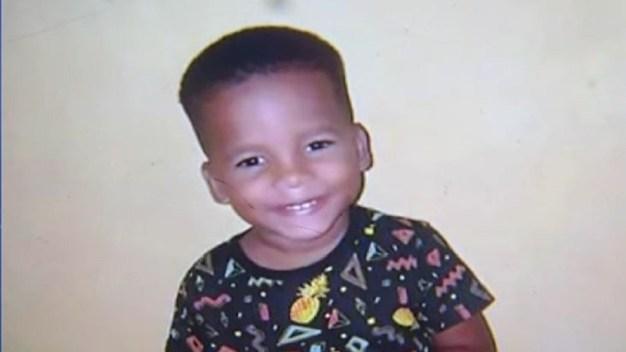Policía: niño de tres años asesinado por un iPhone