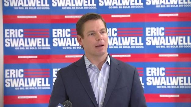 Congresista Swalwell se retira de la contienda presidencial}