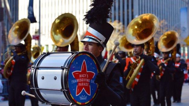 Medidas de seguridad durante los desfiles