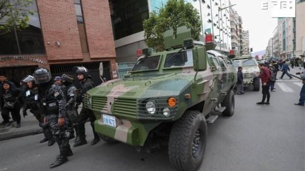 EEUU insta a ciudadanos a no viajar a Bolivia por la crisis