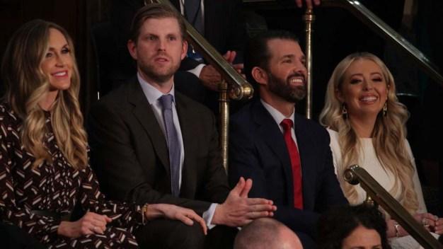 Hijo de Trump confirma que le lanzaron un escupitajo