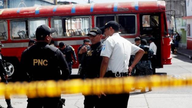 Guatemala: explosión de granada en autobús deja 7 heridos