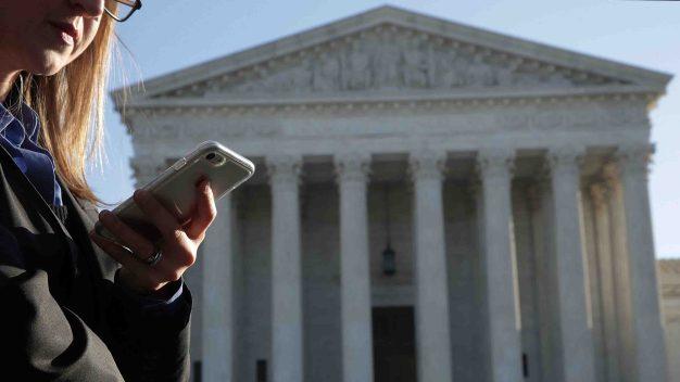 Corte Suprema: policía no puede rastrear celulares sin orden