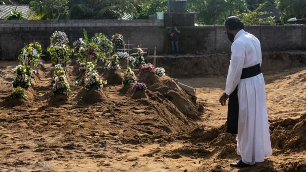 Luto en Sri Lanka: sube a 359 los muertos tras atentados