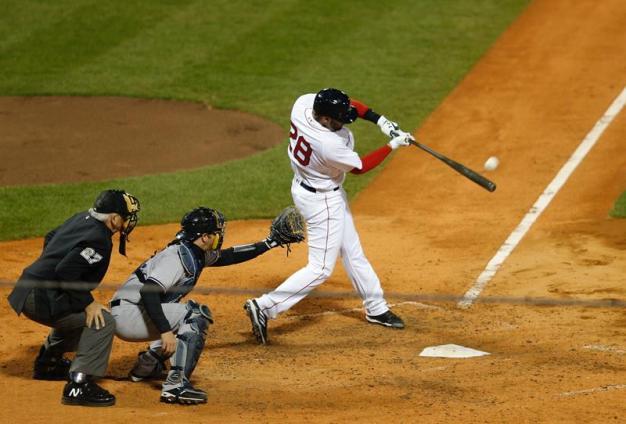 Martínez pega dos jonrones en el triunfo de los Red Sox