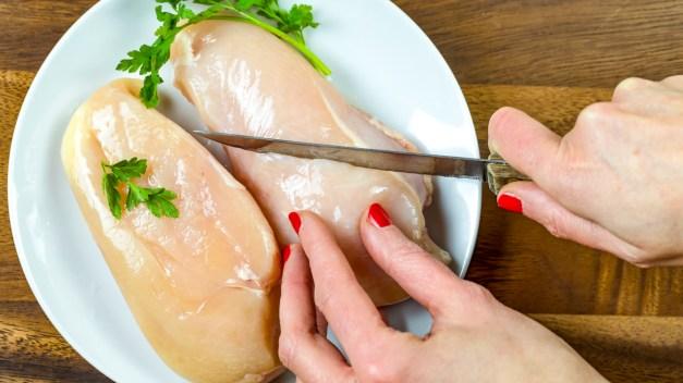 Retiran del mercado 2 millones de libras de pollo