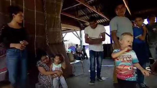 Hallan 75 migrantes en una casa de México