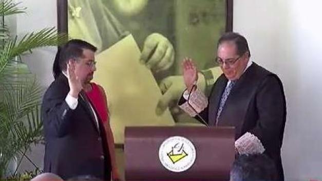 Juramenta el nuevo presidente de la Comisión Estatal de Elecciones