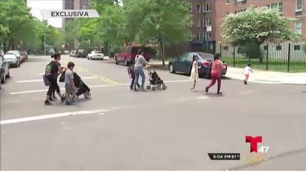 Madre e hijo atropellados al frente de una escuela